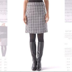 White House Black Market fully lined tweed skirt